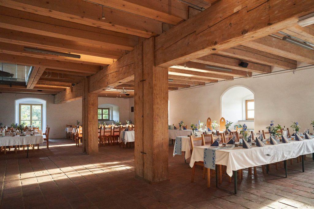 Burg-Frauenstein-Salzstadl_Hochzeit_Saal_Feier_20190816 (1)