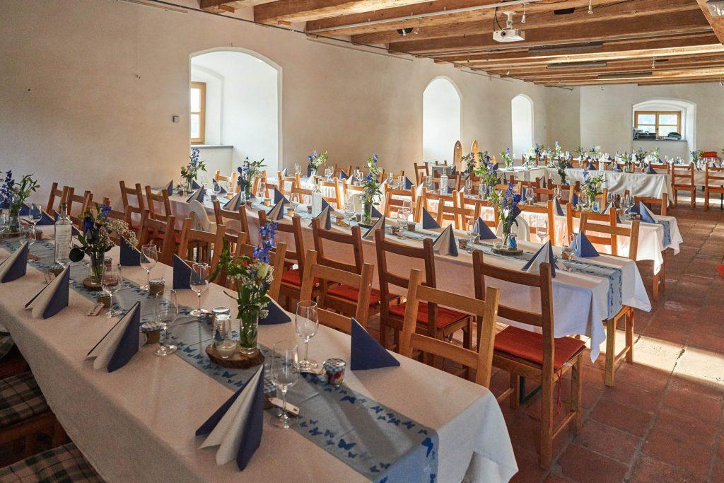Burg-Frauenstein-Salzstadl_Hochzeit_Saal_Feier_20190816