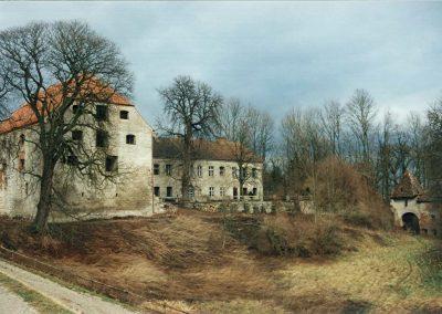 Schlossareal mit san. Salzstadl jedoch ungepflegt