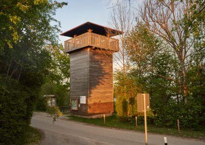 Vogelturm vom Parkplatz